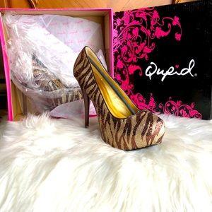 🥳HOST PICK🥳Qupid Bronze/Gold Zebra Glitter Heels